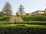 Palazzo-Parisio-passeggiando-nel-giardino-alla-italiana