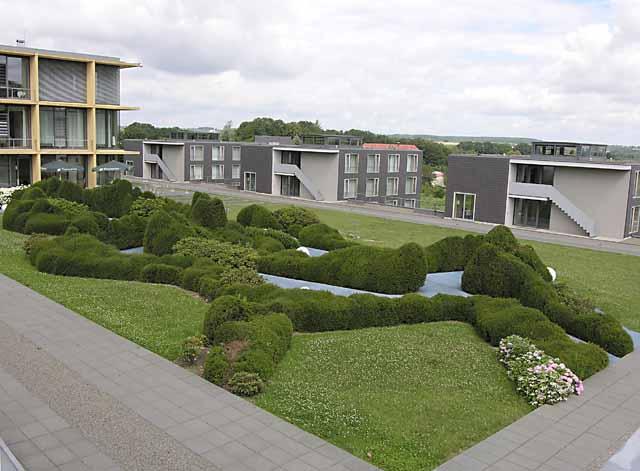 vista-generale-del-giardino-dal-piano-stradale