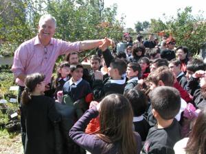 bambini-a-scuola-di-piante-con-marco-licheri
