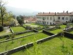 villa-della-porta-bozzolo-giardino-barocco-e-facciata-villa.jpg