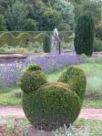 castello-di-Cormatin-animaletti-topiari-e-lavanda