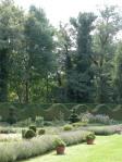 castello-di-Cormatin-scena-nel-controluce-del-giardino