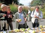 Flor-09-lezione-di-frutta-del-maestro-giardiniere-Carlo-Pagani-davanti-alla-mostra-pomologica