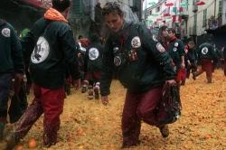 battaglia-delle-arance-al-carnevale-di-Ivrea